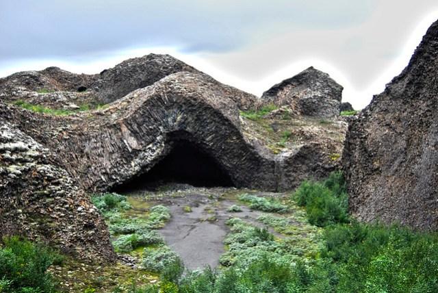 "Hljodaklettar - Parque Nacional de Jökulsárgljúfur - ""Kirkjan"" - CC Roser Martínez"