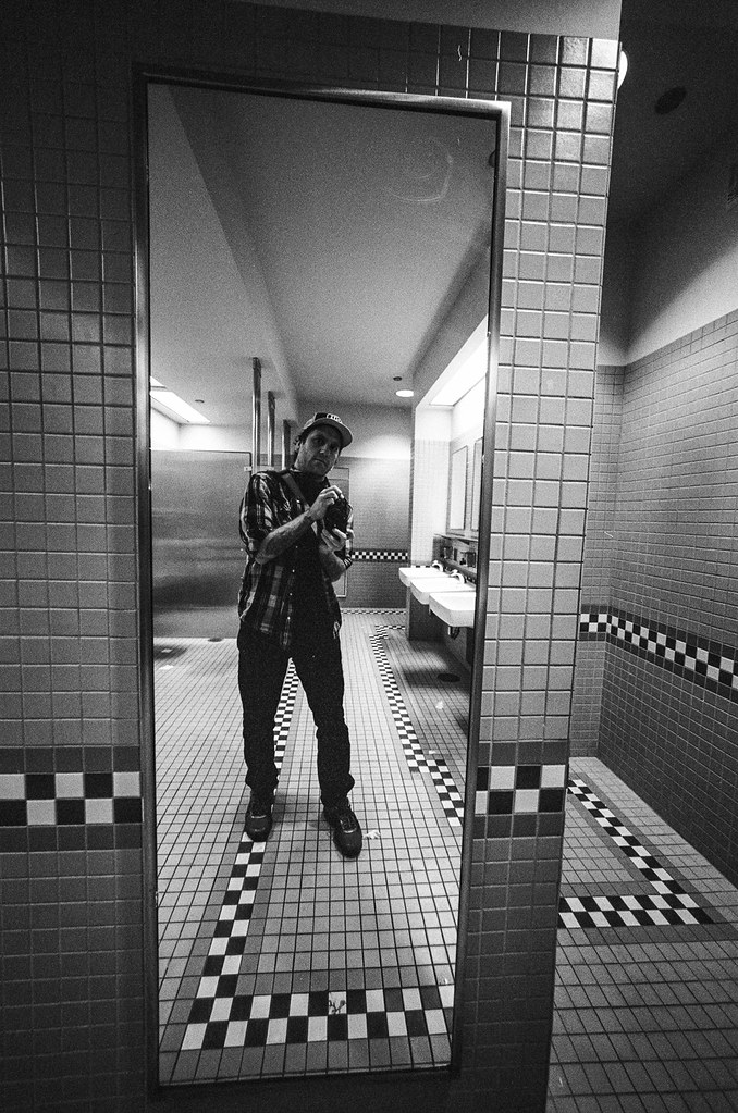 Self at Harold Washington Library | Leica M6 Voigtländer 12mm F5.6 Heliar with TRI-X shot at 800