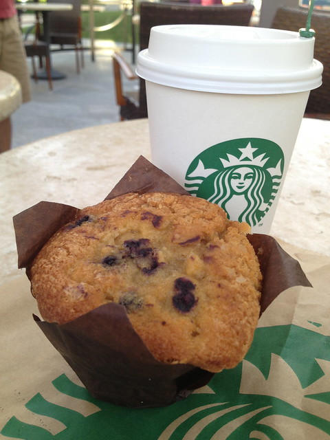 Blueberry streusel muffin - Starbucks