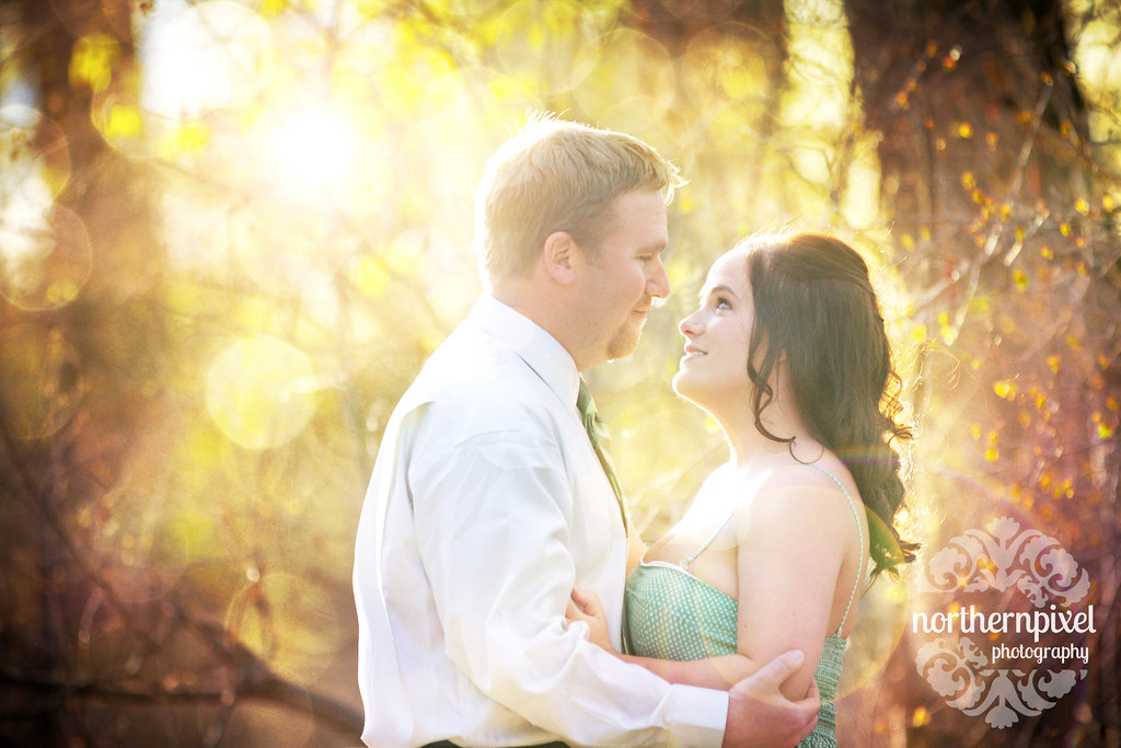 Melanie & Blake - Engagement Session at Cottonwood Park