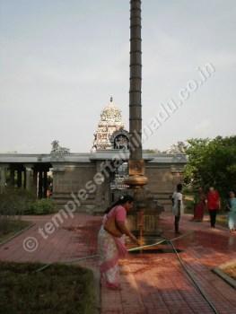 Dhwaja Sthambam, Gnayiru Gramam