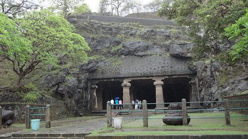 Entrance to main Elephanta caves