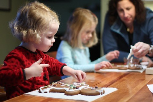 Claire and Juliet making Gingerbread men with Aunt Mona