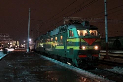 Russian Railways class ЧС7 electric locomotive ЧС7 141 awaiting departure time from Тула (Tula)