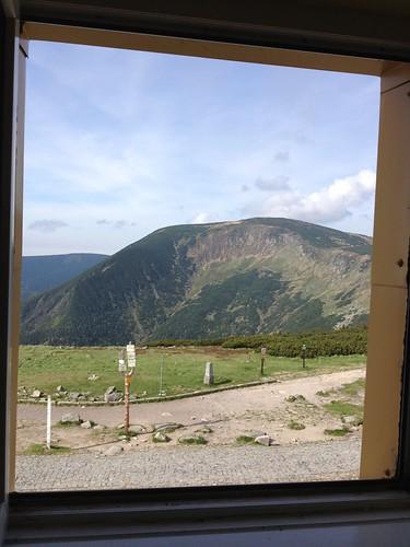 Widok z okna pokoju nr 19 w Domu Śląskim by Polek