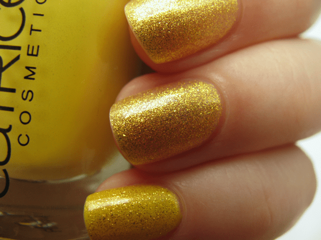 03-opi-oy-another-polish-joke+catrice-birdy-reloaded