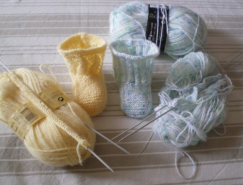 Tricot Layette - Chaussons pour bébé commencés par la semelle (1/2)