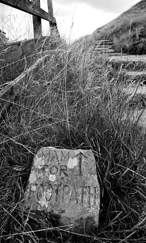 20130808-02_Mam Tor - This Way by gary.hadden