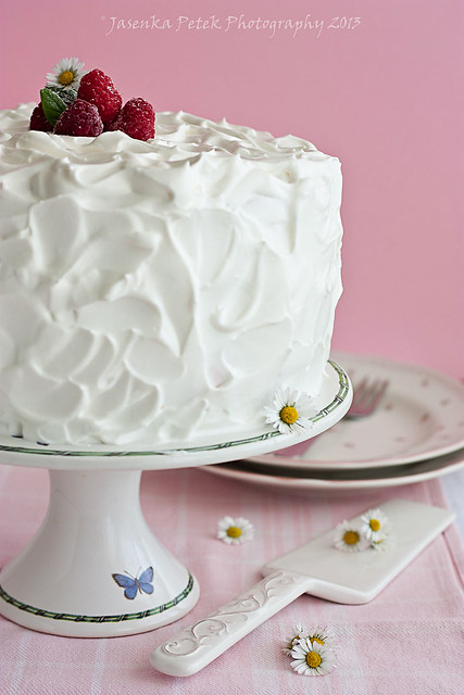 Raspberry and mascarpone cream cake