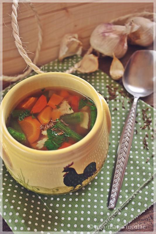 Supa de pui cu chimen