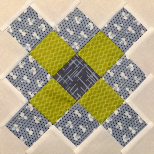 Granny Block Bee 31