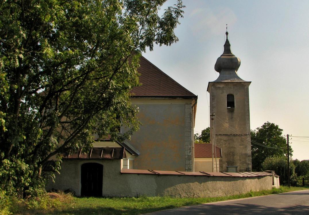 Ev. kostol v D. Strhároch