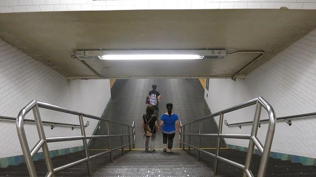 紐約地鐵內的樓梯