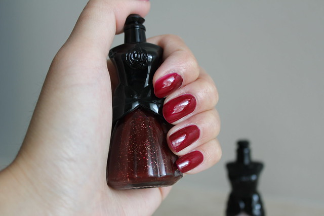anna sui nail polish review and swatches