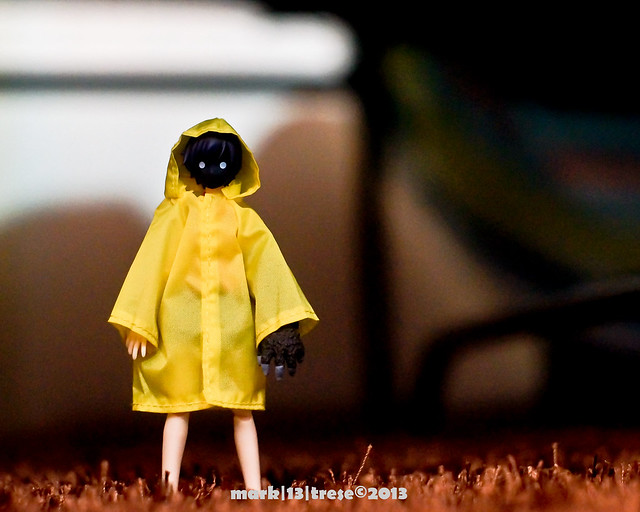 Figma Suruga Monkey of Bakemonogatari in Yellow Rain Coat