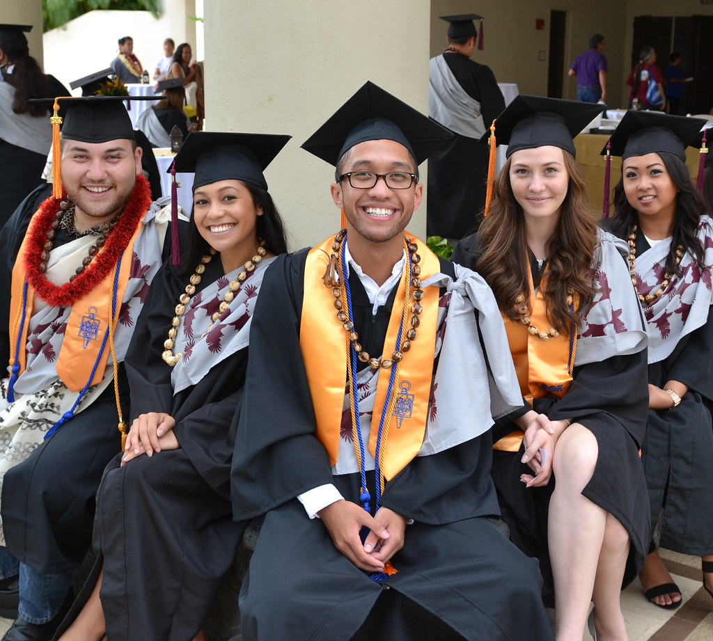 photos way to go uh graduates university of hawaiʻi system news for hawaii community college and uh center west hawaii commencement ceremony on 16 2015 at