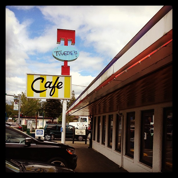 We're at the Double R Diner!   Twede's Cafe, North Bend, WA.