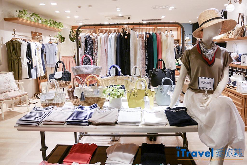 《福冈购物血拼》天神地下街:服饰、配件、鞋款与药妆一网打尽,逛吃购大大满足