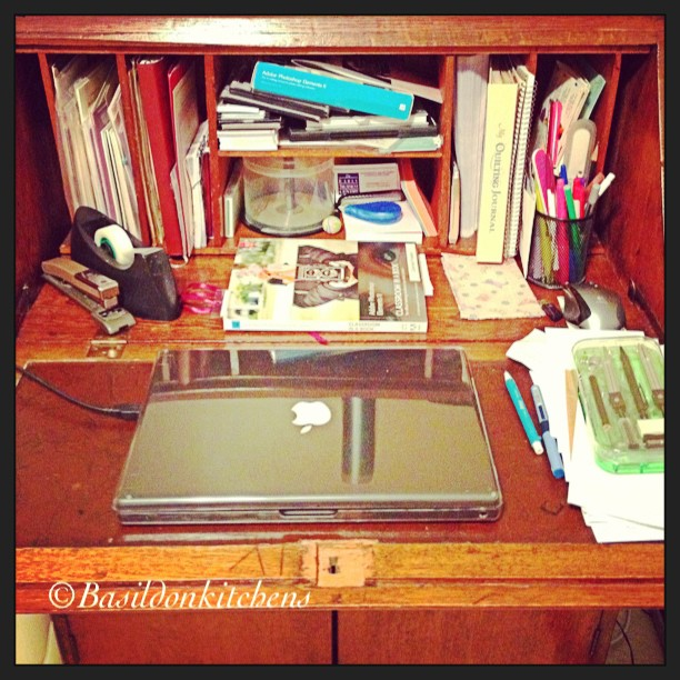 Aug 30 - cluttered {my desk is very cluttered; time for a tidy up} #fmsphotoaday #clutter #desk #timetoclean