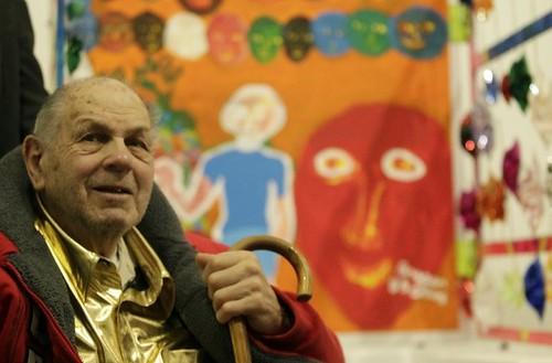 Philip Bragar cumple 90 años; celebra con tour
