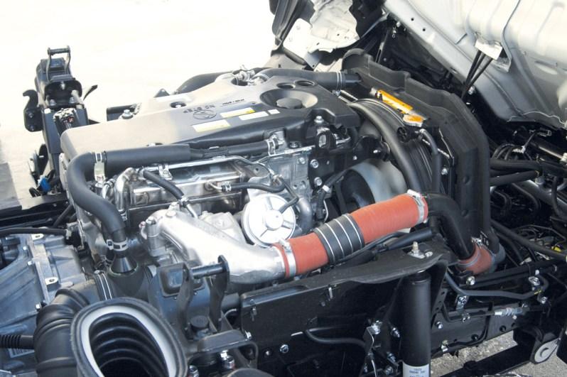 Isuzu Elf 3.5 оборудован 4-цилиндровым Isuzu 4JJ1 (4JJ1E4NC) мощностью 2999 см3 Евро-4