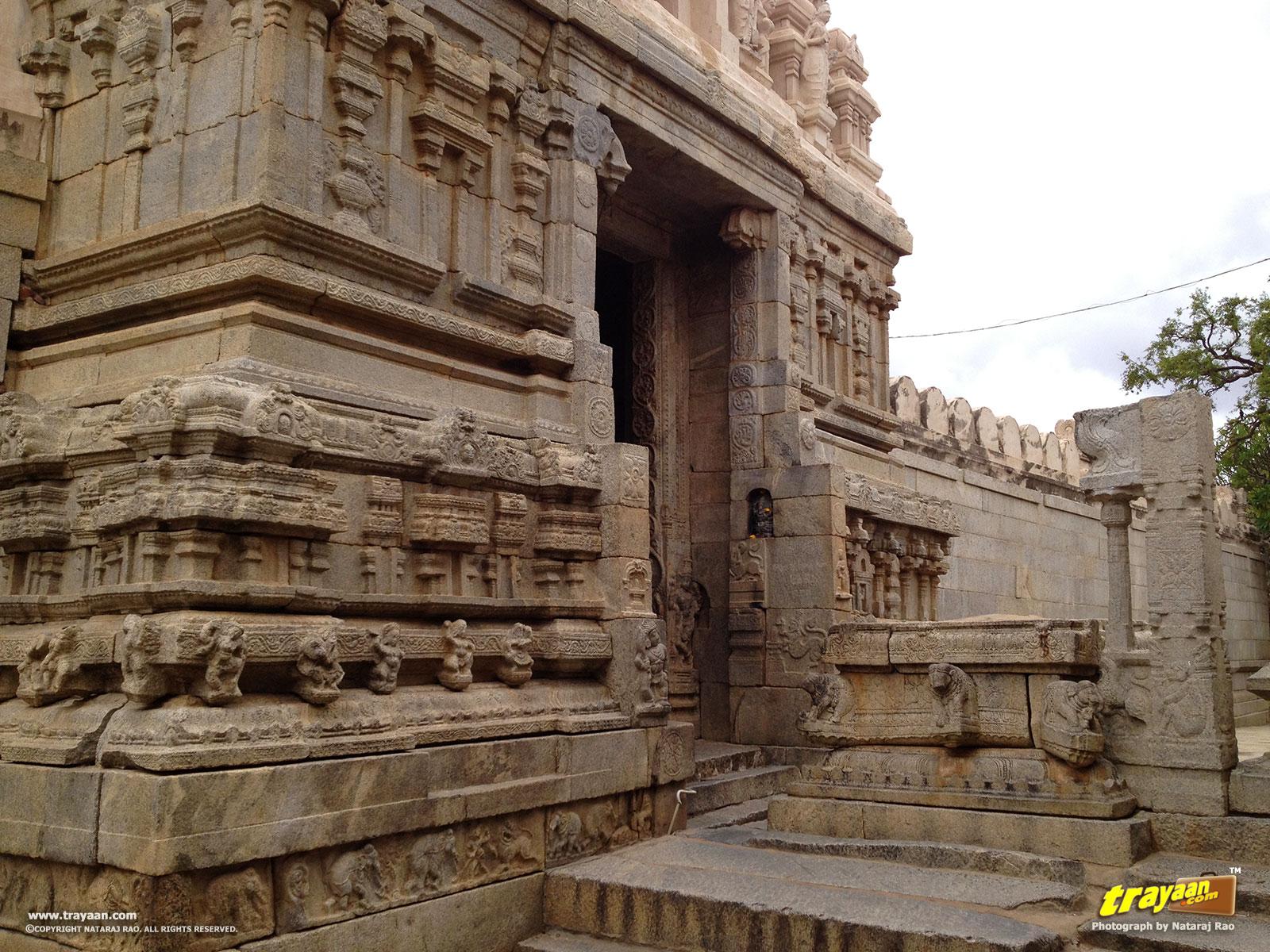 Lepakshi Veerabhadra Swamy Temple