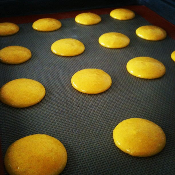 Yummy lemon macarons coming up.