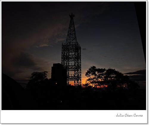 Torre El Cable by Julio César Correa