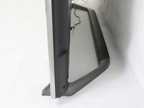 ฐานของ Panasonic Viera TH-65DX900T ออกแบบมาดี มั่นคงมาก