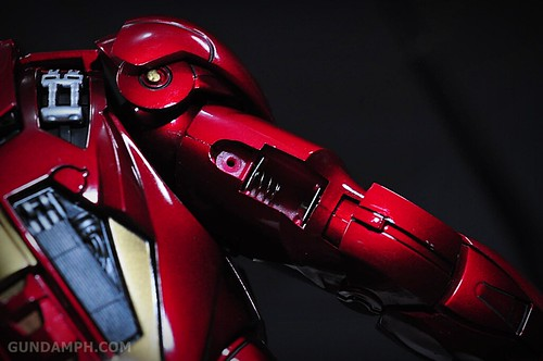 Hot Toys Iron Man 2 - Suit-Up Gantry with Mk IV Review MMS160 Unboxing - day1 (46)