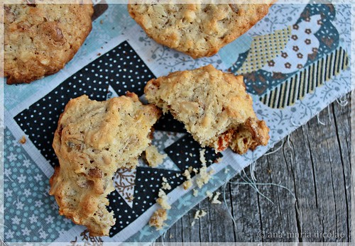 Nut & oatmeal cookies