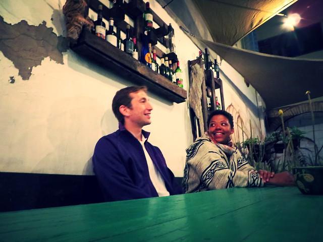 pincha cabra, restaurants in corralejo, things to do in corralejo, tapas restaurant, couple at restaurant