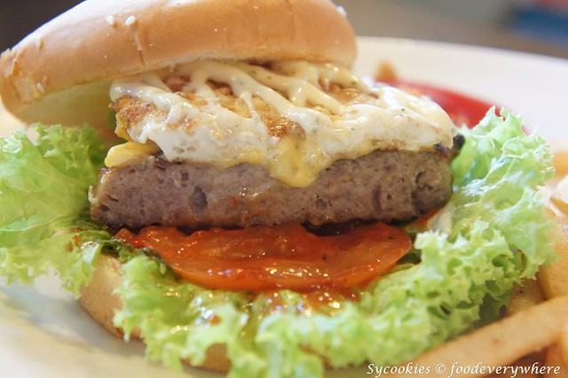7.big bad wolf- Mighty Piggy Burger RM 24- Juicy pork patty, cheddar, tomatoes, greens, fried egg, mayo (4)
