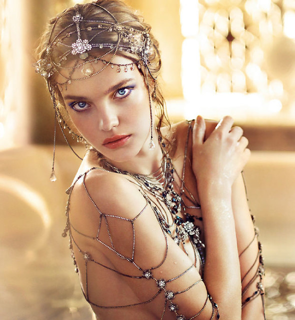 03 Guerlain Shalimar Holiday Make Up Collection by Natalia Vodianova swatches