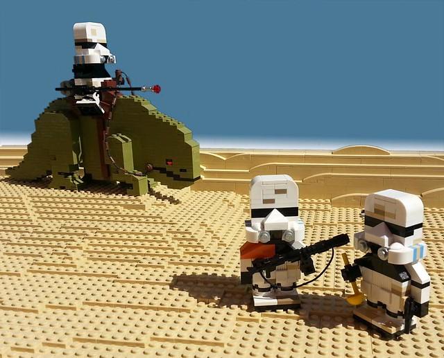 Dewback and Sandtroopers by -derjoe-  on flickr