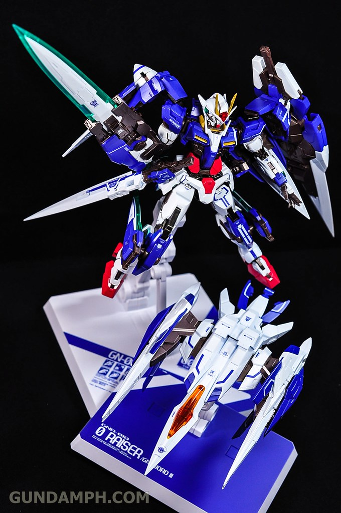 Metal Build 00 Gundam 7 Sword and MB 0 Raiser Review Unboxing (123)
