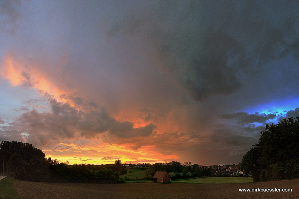 Farrnbachtal Sunset by Dirk Paessler