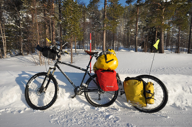 Crosso Twist and Expert panniers in deep winter 2
