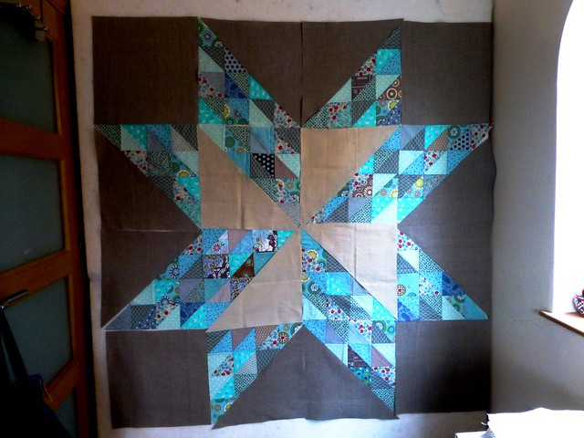 Brit Bee '13 star wallhanging 003