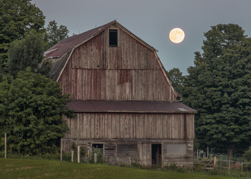 Full Moon Barn