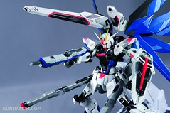 Metal Build Freedom Gundam Prism Coating Ver. Review Tamashii Nation 2012 (100)