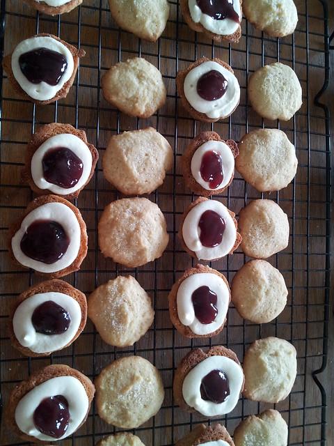 Mini Lemon Cream and Raspberry Cookies