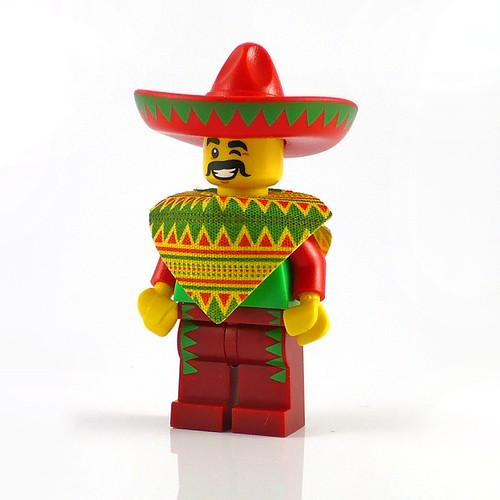 71004 LEGO Minifigures The LEGO Movie Series Taco Tuesday Man 02