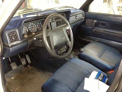 1984 Volvo 244 GLE interior