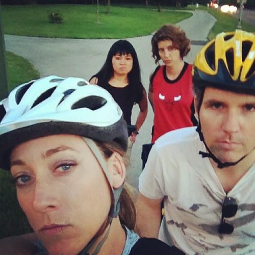 Summer night bike gang mean muggin' with @kevinkmp @homesliced  @jroestel
