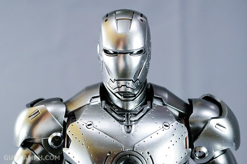 Hot Toys Iron Man 2 - Mk II Armor Unleashed Ver. Review MMS150 Unboxing (76)