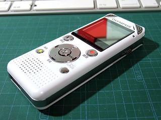 普通のICレコーダー:OLYMPUS Voice-Trek V-802