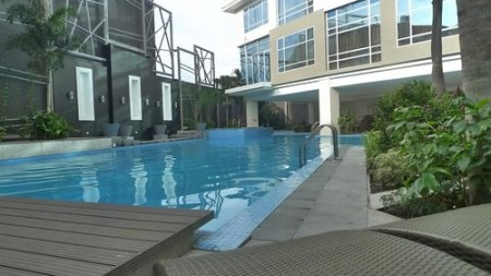 GREENLEAF HOTEL SWIMMING POOL