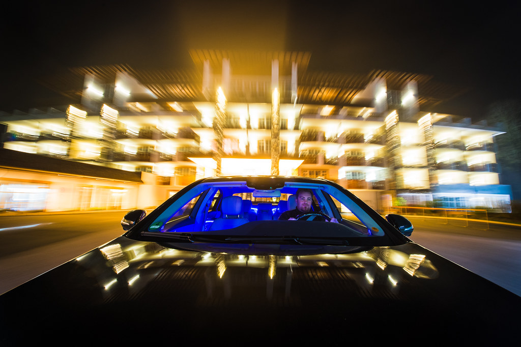 Mercedes-Benz S-Class infront of the Grand Tirolia in Kitzbühel