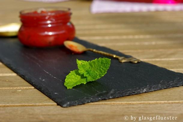 Rhabarber Erdbeer Melisse Marmelade by Glasgefluester 3 klein